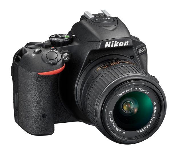 kamera dslr nikon D5500-layar-sentuh-tampak-depan-belakang-lcd-lensa-kit-zoom